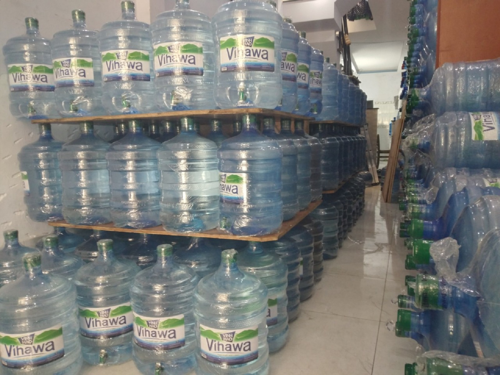 Nước uống đóng bình giá rẻ